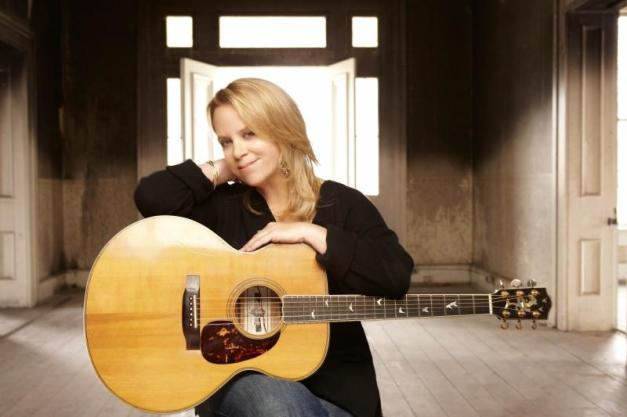 Mary Chapin Carpenter will perform at 8 p.m. Friday at The Egg.