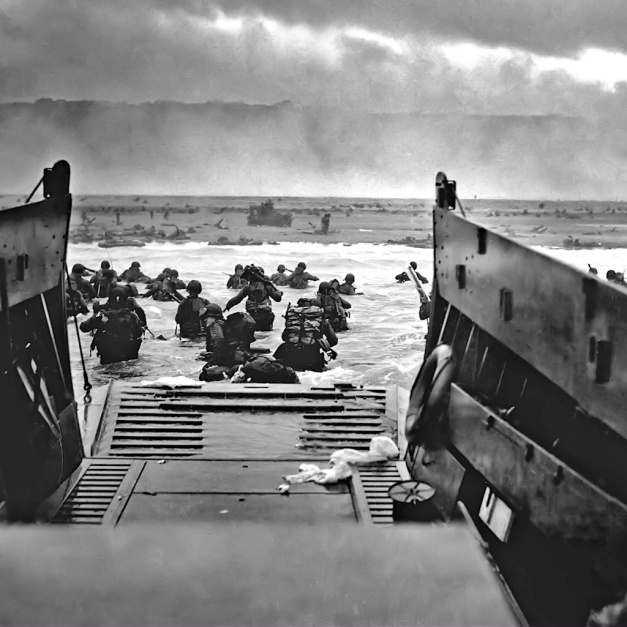 omaha_beach_d_day_wallpaper-1024x1024